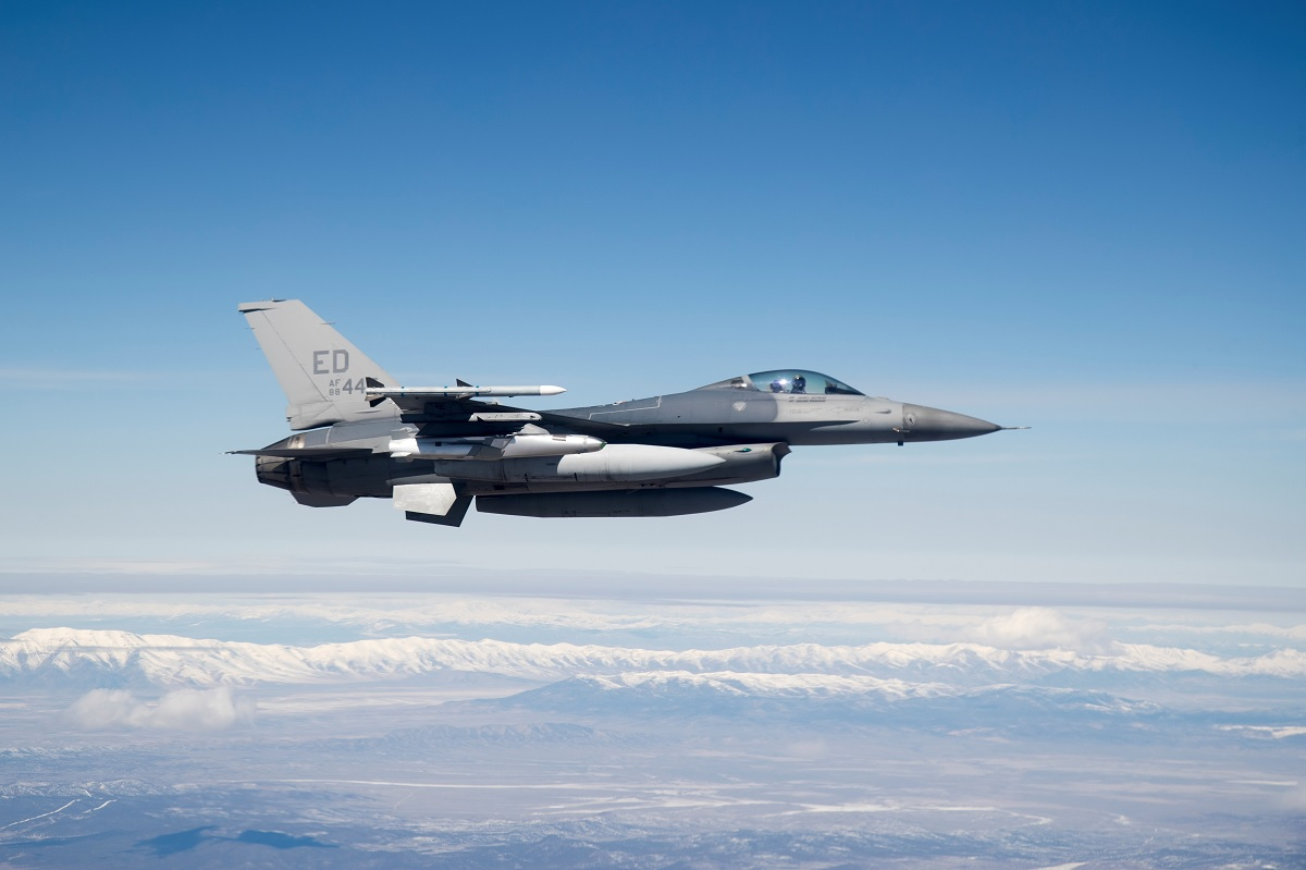 Edwards' testers complete Joint Strike Missile test program