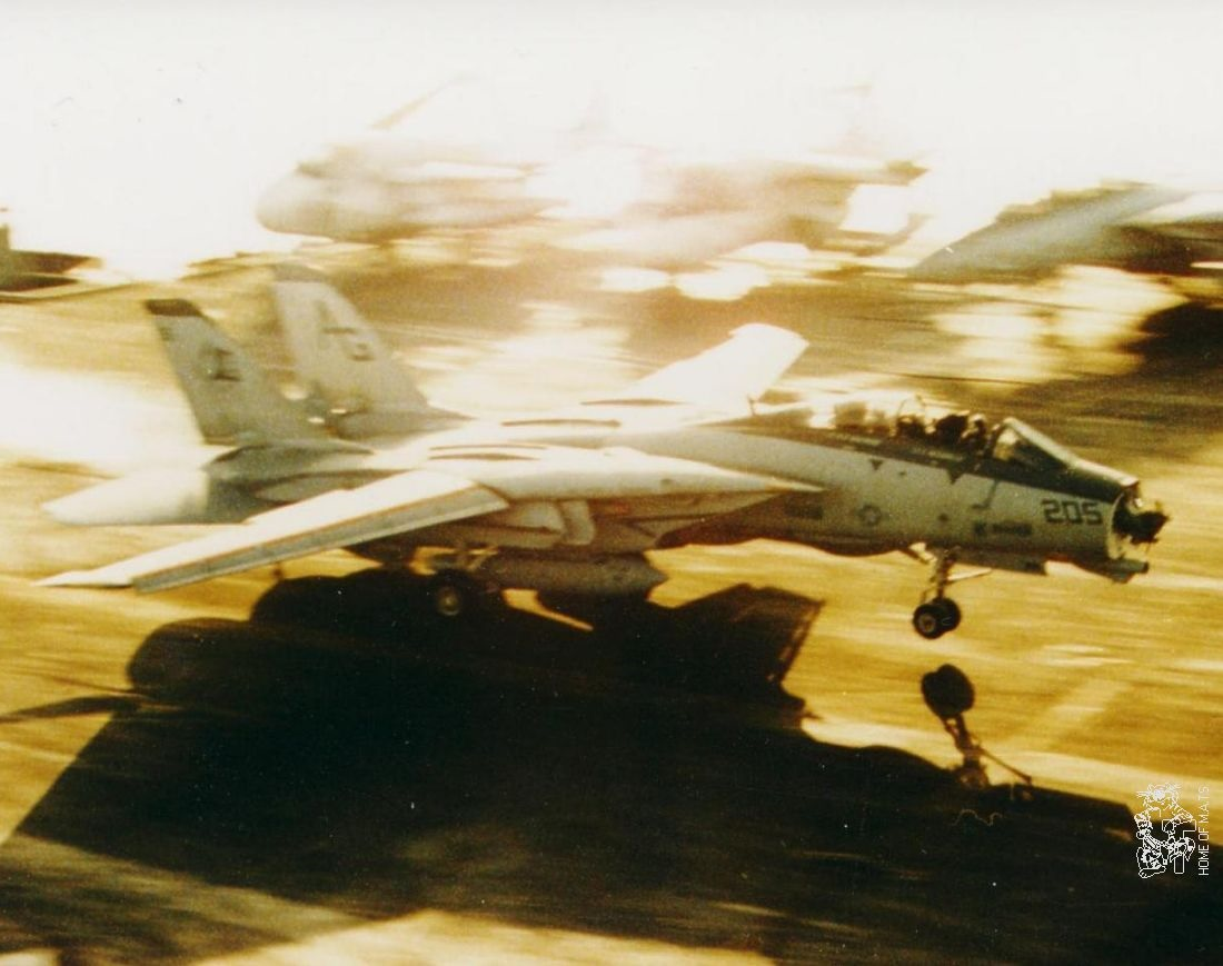 That time a VF-142 F-14 Tomcat with missing radome made an emergency landing aboard USS Eisenhower
