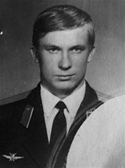 The defection of Viktor Belenko, the pilot who stole the super secret Soviet's MiG-25 fighter jet