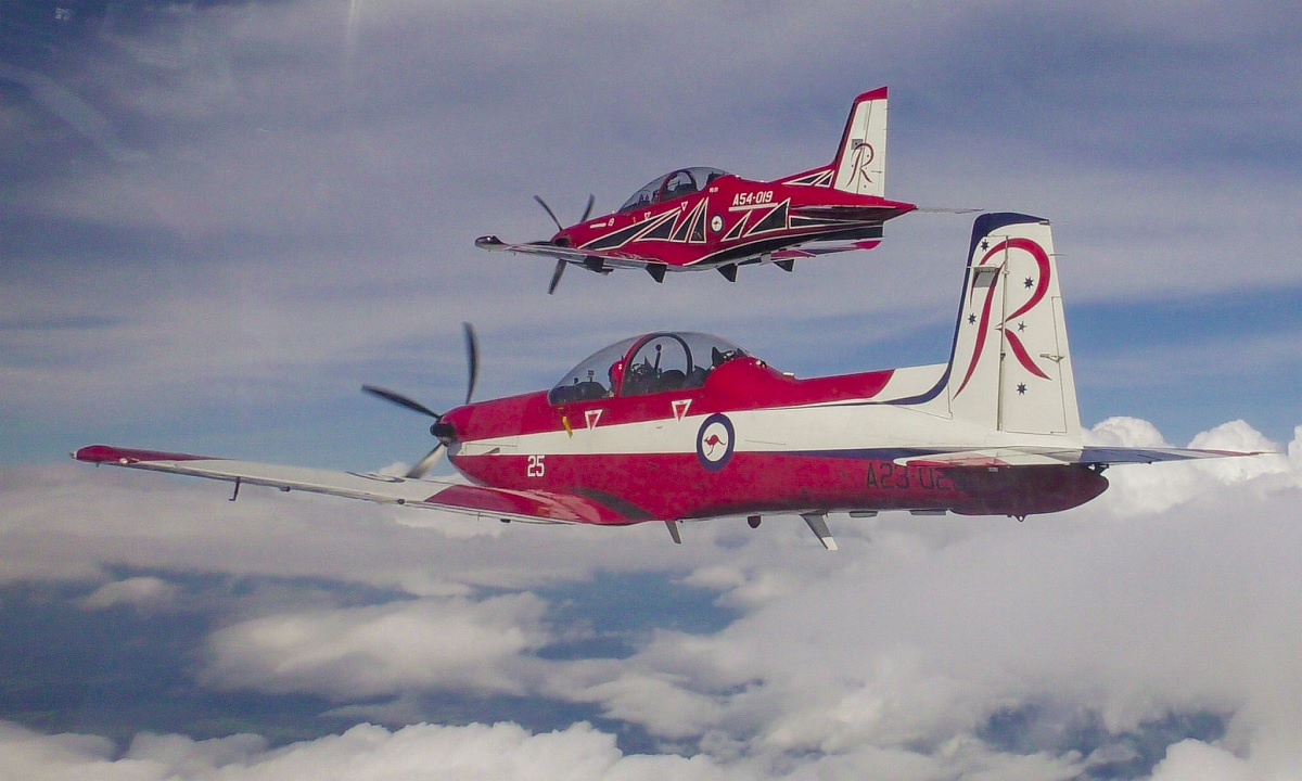 RAAF unveils new paint scheme for the Roulettes aerobatic team