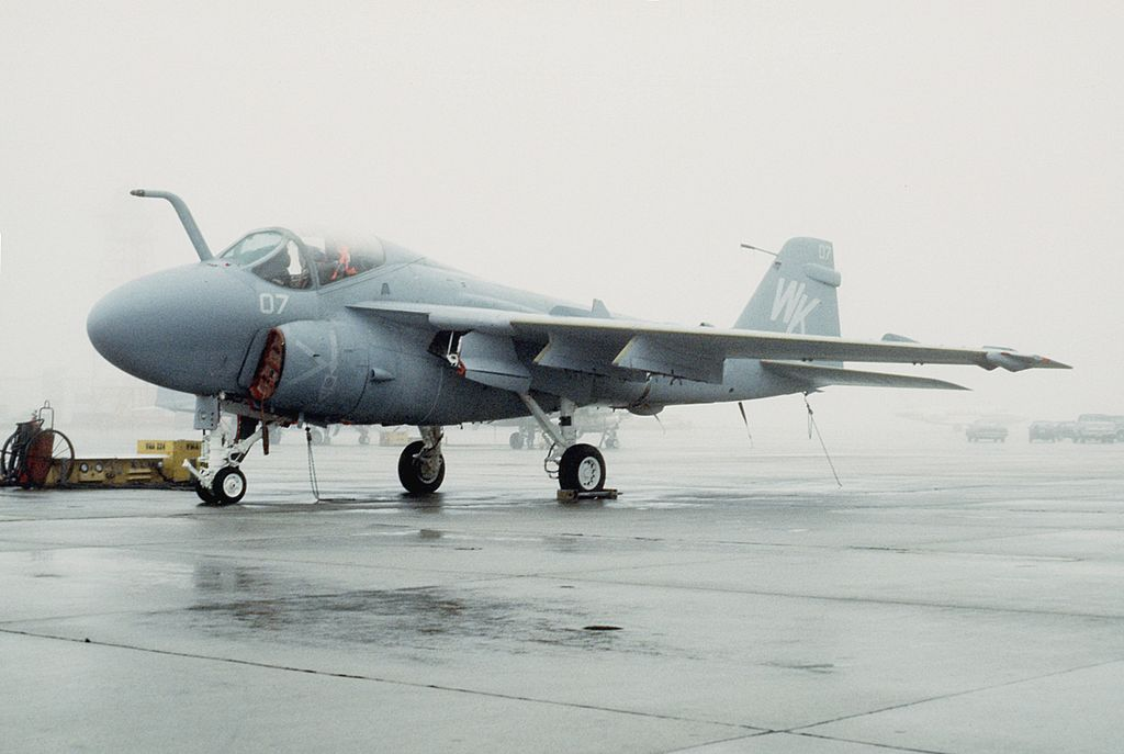Former USMC A-6 Pilot explains why the Intruder was the perfect CAS Aircraft
