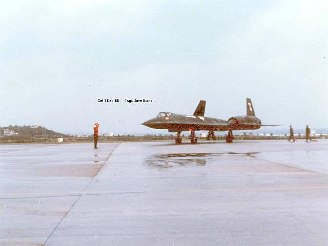 Photos show Santa Claus marshalling an SR-71 Blackbird Mach 3 Spy Plane