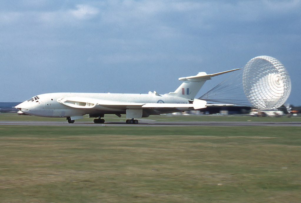 Supersonic Victor: that time a RAF strategic bomber dived out of control from 46,000 to 16,000 feet in 20 seconds