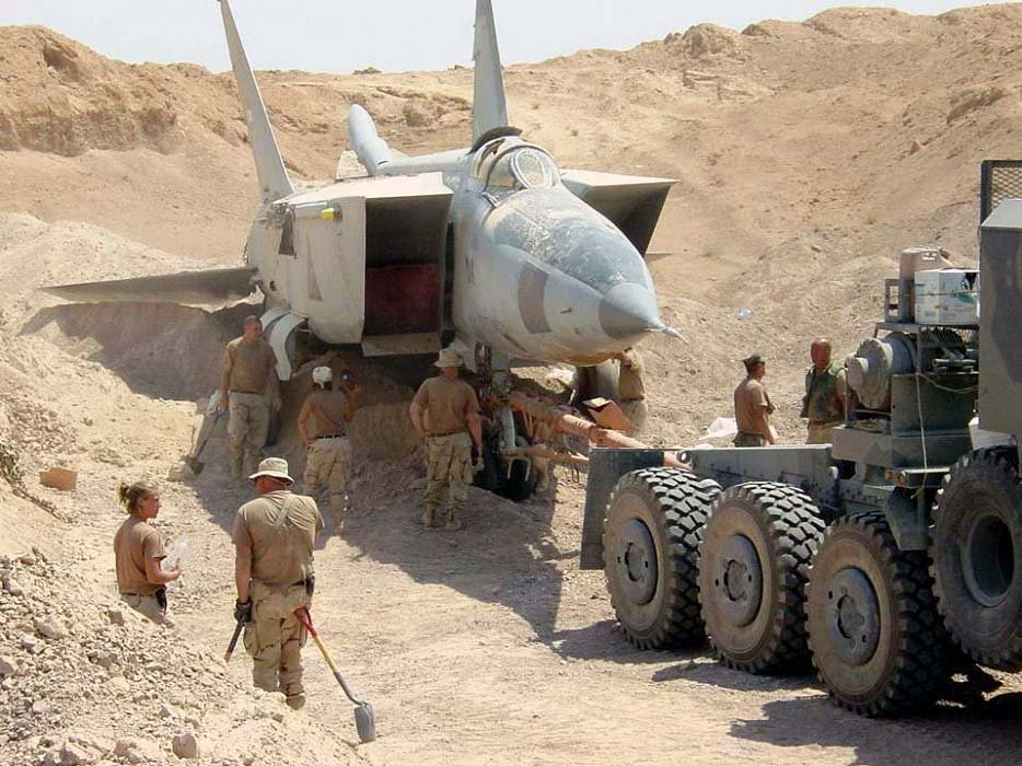 Iraqi MiG-25 Foxbat Pilot explains how he was able to shoot down Lt Cdr Speicher's F/A-18 Hornet the first night of Operation Desert Storm