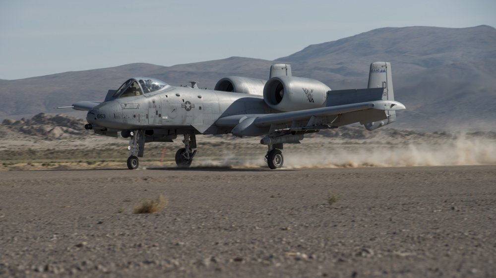 Hawgs in the Wild: USAF A-10s train to land in austere environments