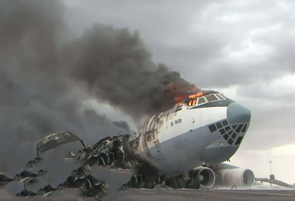 One Pilot Died after two Ukrainian Ilyushin Il-76TD Cargo Aircraft were Destroyed in Libya