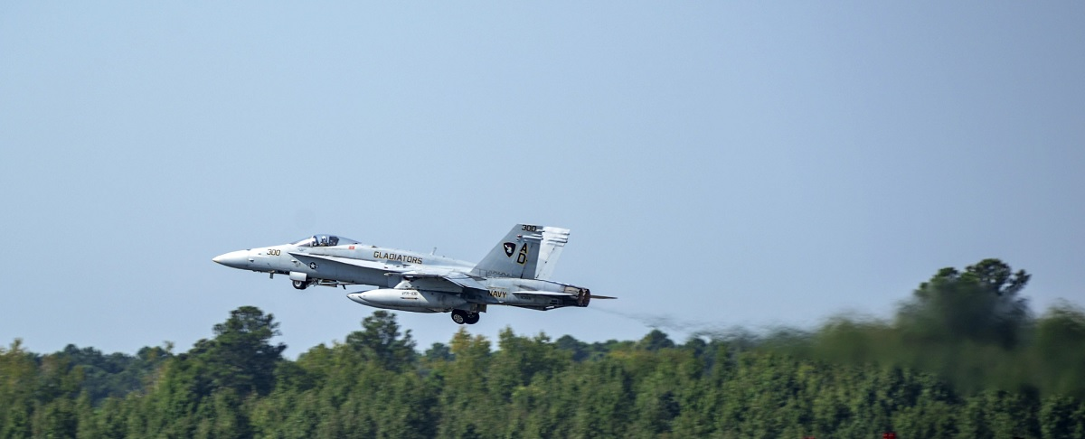 Last US Navy F/A-18C Legacy Hornet Makes Official Final Active-Duty Flight
