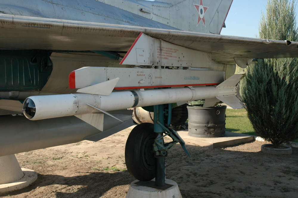 How an AIM-9 Sidewinder that Failed to Detonate and Got Embedded in a MiG-17 was Reverse-Engineered into the Soviet AA-2 Atoll