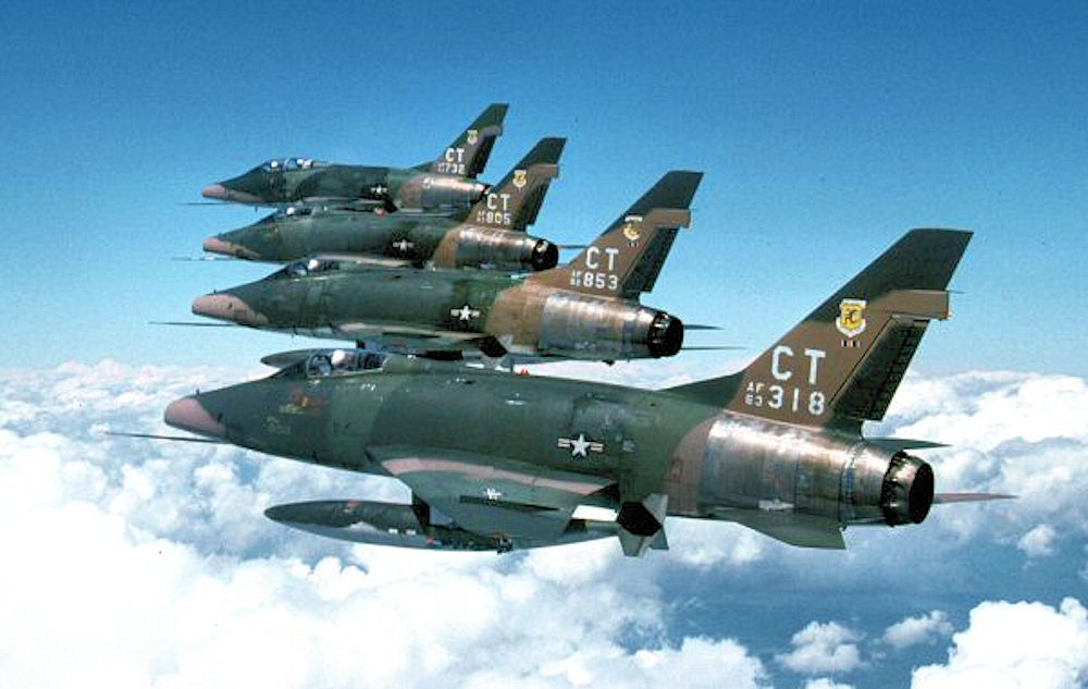 Hun Pilots remember when they 'dogfighted' British Lightnings and Hunters at RAF Gütersloh over Germany
