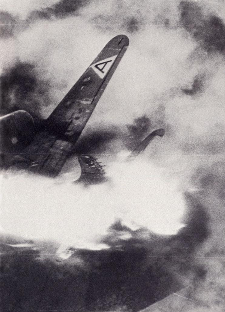The story behind the horrific photo of the B-17 Flying Fortress with one wing blown off, plummeting to its doom