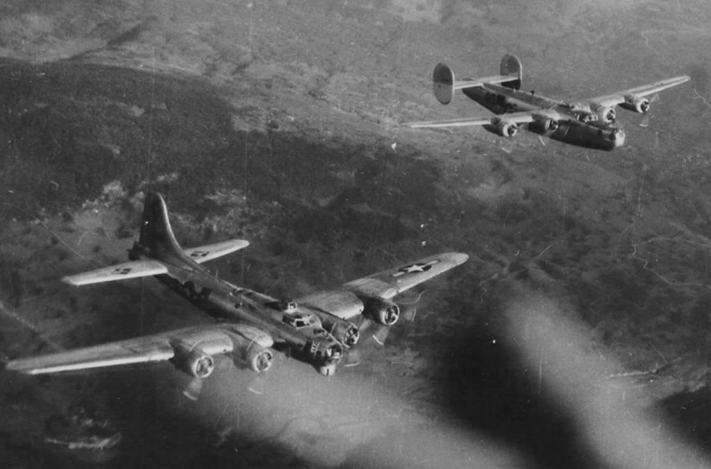 B-17 B-24