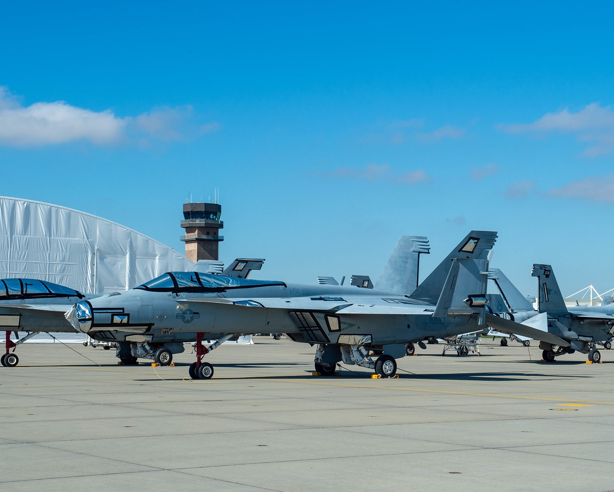 US Navy F/A-18F BuNo 166464 returns to flight after being grounded for more than 8 years