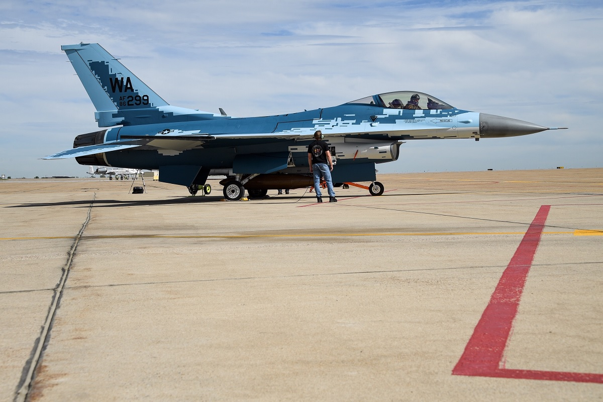 "Second USAF F-16 Aggressor gets Sukhoi Su-57 Felon ""ghost"" paint scheme"