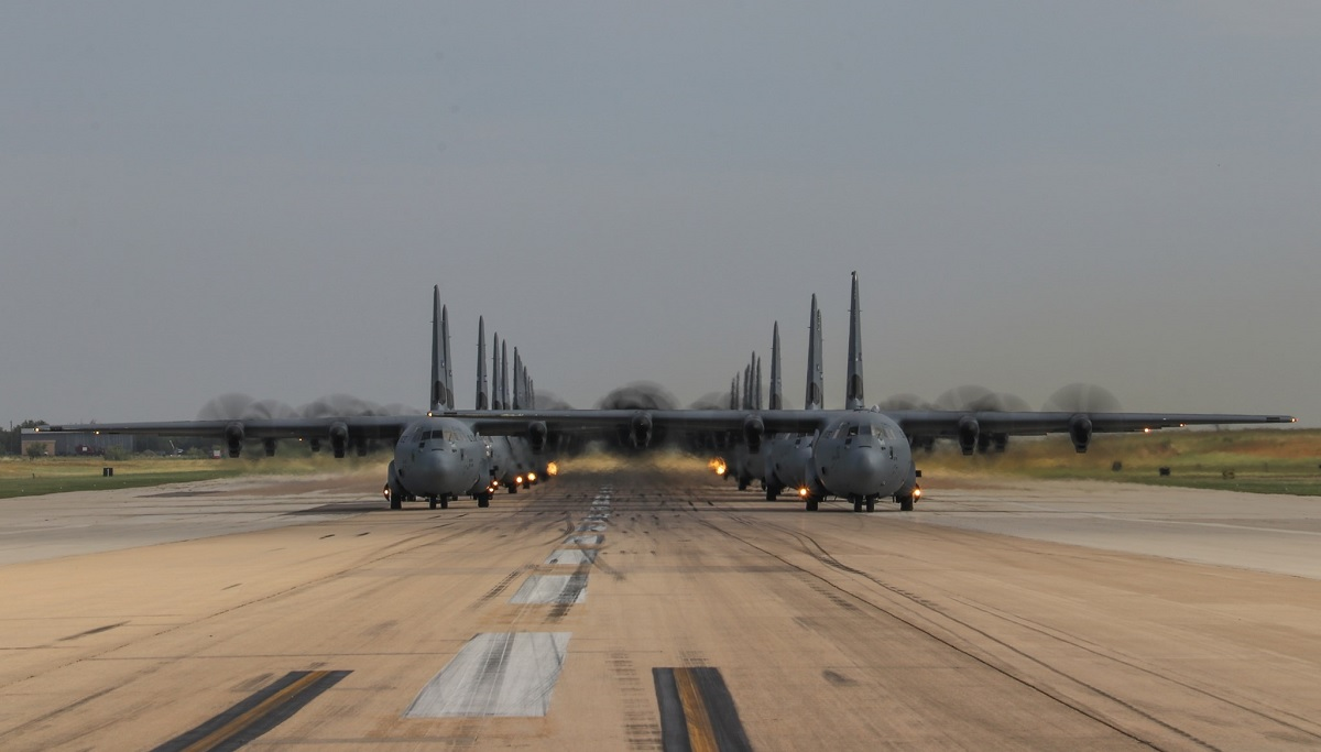 Dyess AFB hosts largest C-130J interfly in Super Hercules history