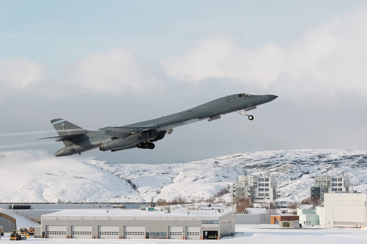 For the first time ever, a B-1 Lancer strategic bomber landed in the Arctic circle