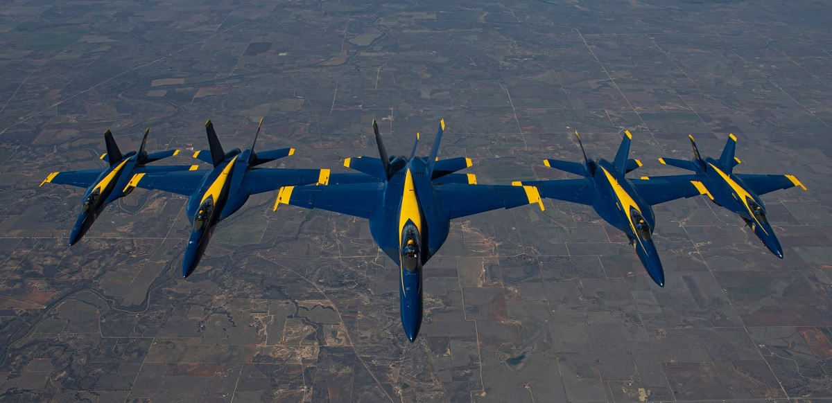 Photos of Blue Angels getting fuel on their way home to NAS Pensacola show that the team is still flying one F/A-18 tandem seat Legacy Hornet