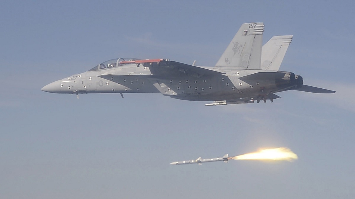 US Navy F/A-18F Super Hornet successfully executes the final shot in the Integrated Test Program of the AIM-120D SIP-3