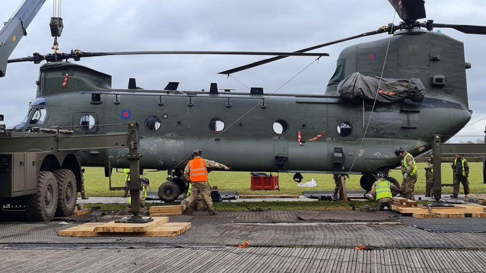 Former US Army CH-47 flight engineer explains how his Chinook got stuck in the mud. Twice.