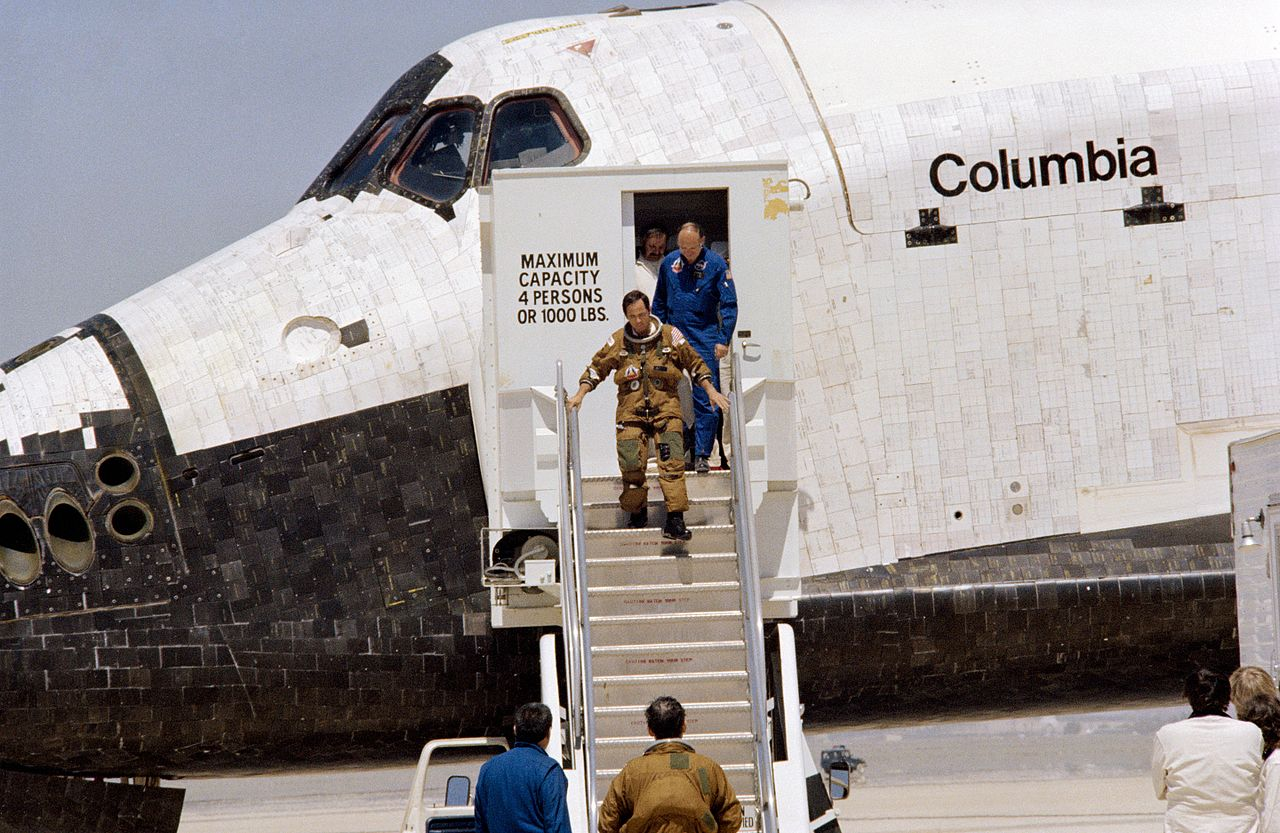 """Did you know NASA had to borrow U-2/SR-71 """"yellow"""" Pressure Suits for first space shuttle mission?"""